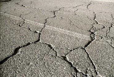 Afbeeldingsresultaat voor asfalt scheure